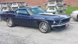 Very nice 1969 or 1970 Mustang (to show you all I'm not only about rat trucks!)